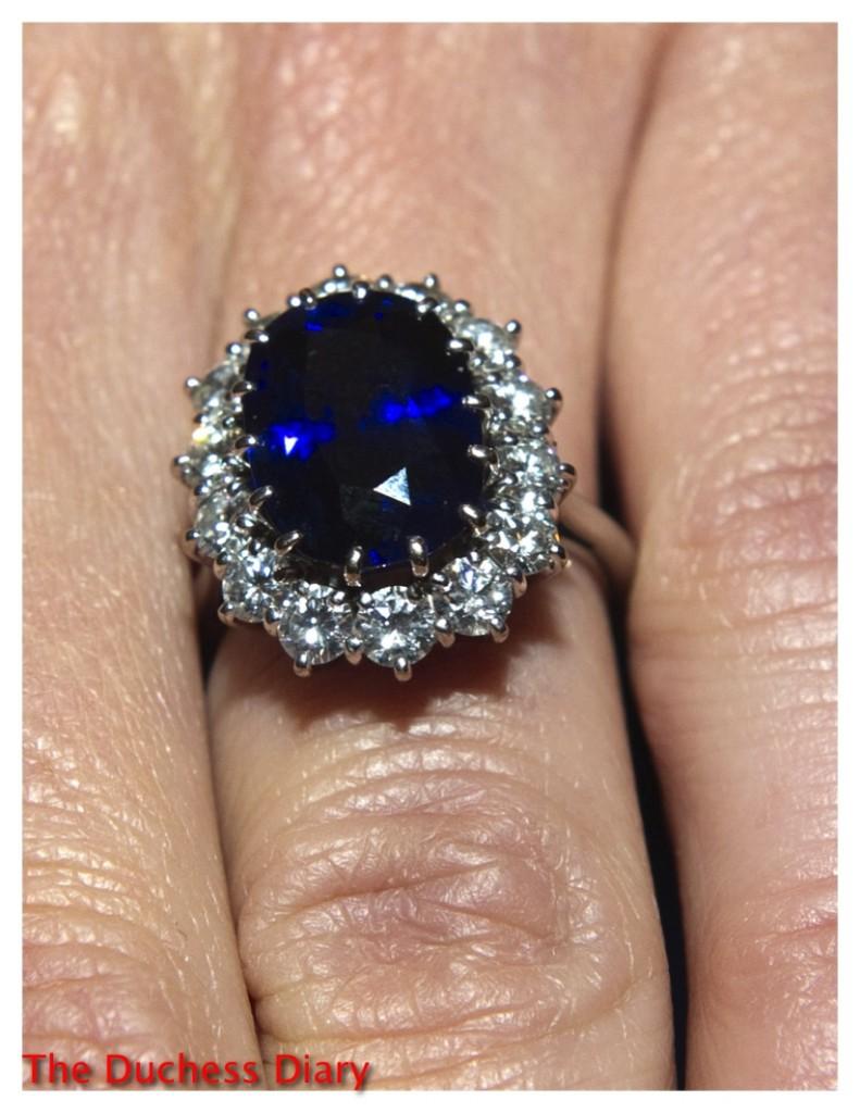 kate middleton close up shot blue sapphire engagement ring