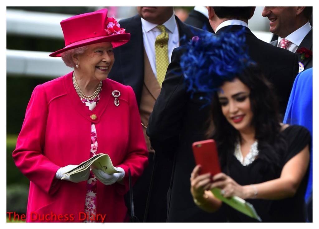 queen elizabeth ascot smiling race goer selfie
