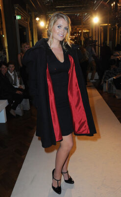 Lady Kitty Spencer Black Coat Paul Costelloe Presentation During London Fasion Weekend Spring Summer 2016/2017
