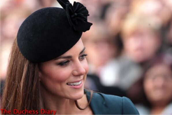 kate middleton lk bennet outfit leicester royal visit 2012