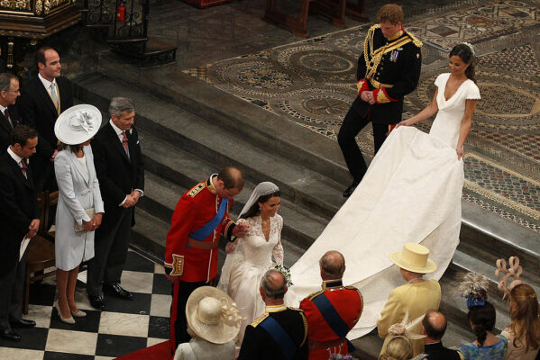 Kate Middleton Curtsies to the Queen April 29 2011 Royal Wedding