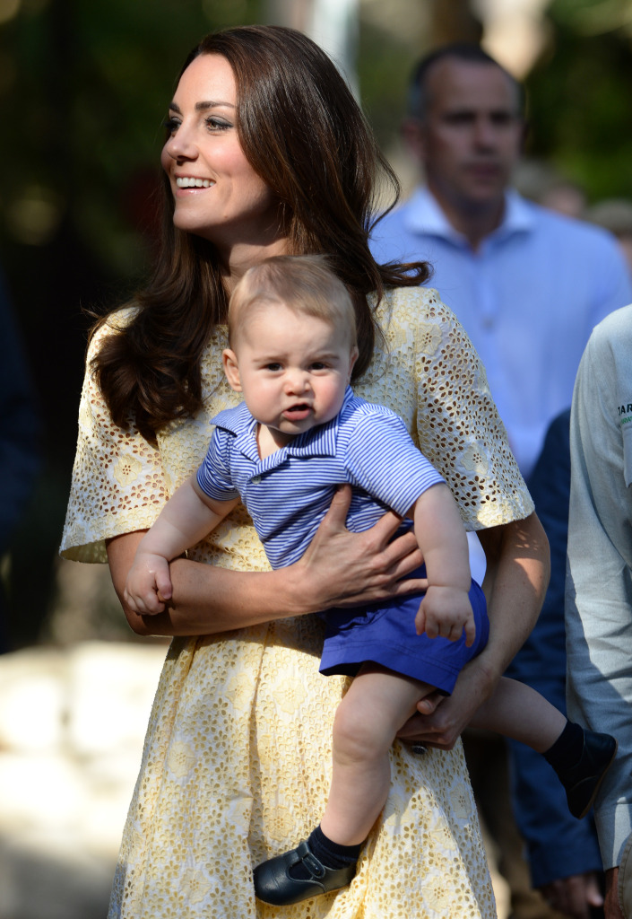 Kate Middleton Holds Prince George Zoo