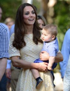 Prince George Carried By Kate Middleton Taronga Zoo