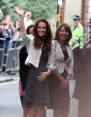 Kate Middleton Waves Crowds Outside Goring Hotel