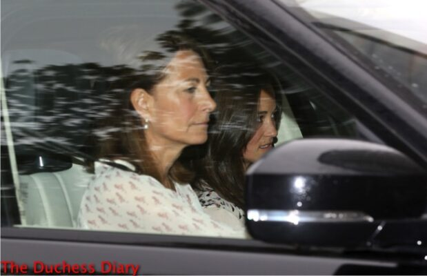 carole middleton drives car pippa middleton kensington palace visit newborn princess charlotte