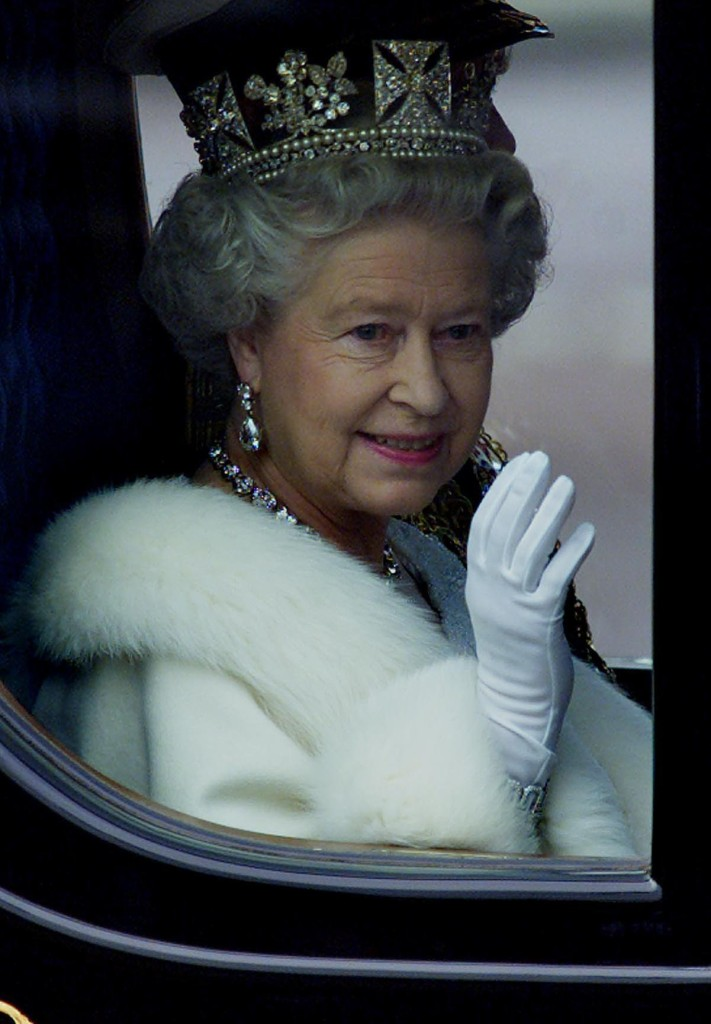 Queen Elizabeth En Route State Opening Parliament