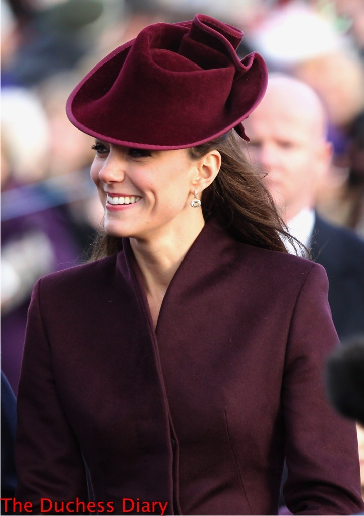 kate middleton burgundy coat christmas 2011 sandringham