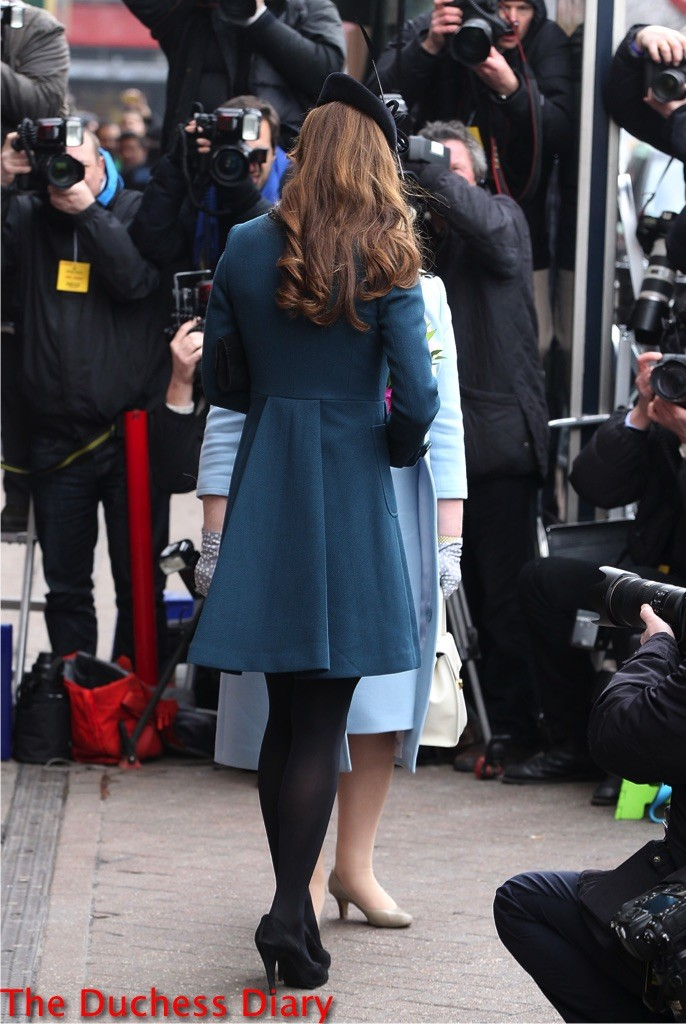 kate middleton baker street tube station visit