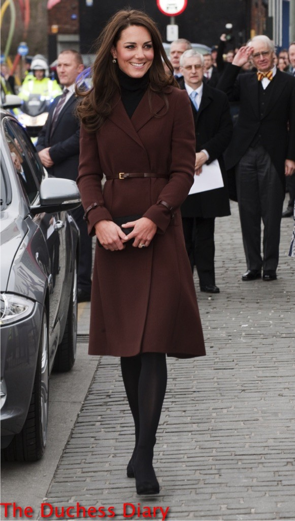 kate middleton hobbs coat liverpool official visit