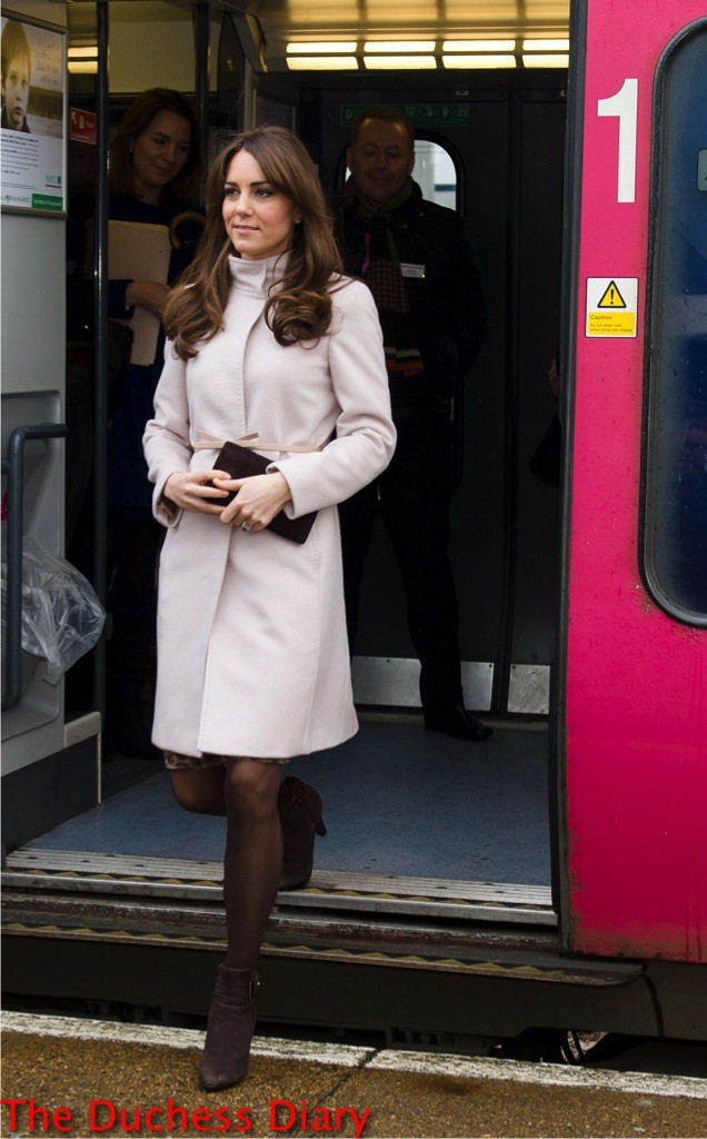 kate middleton train cambridge uk maxmara coat