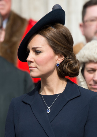 Kate Middleton Tanzanite Blue Sapphire Jewelry St. Paul's Cathedral