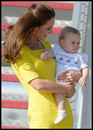Kate Middleton Yellow Dress Carries Prince George Sydney Airport