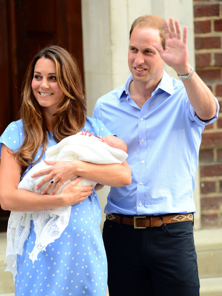 Kate Holds Prince George Prince William Waves St Mary's Hospital