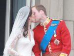 kate Middleton white wedding dress prince william kiss wedding day buckingham palace