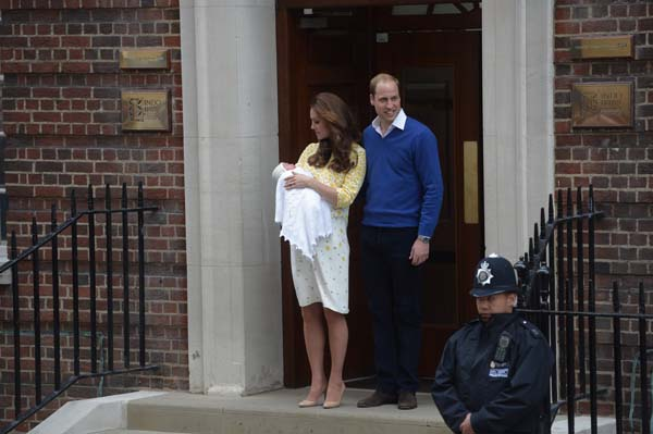 Kate Holds Daughter Smiles William Lindo Wing