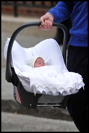 William Carries Princess Cambridge in Car