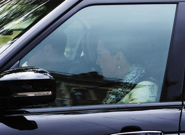 Kate Middleton Beulah Scarf Annoushka Pearls Leaves London With Family