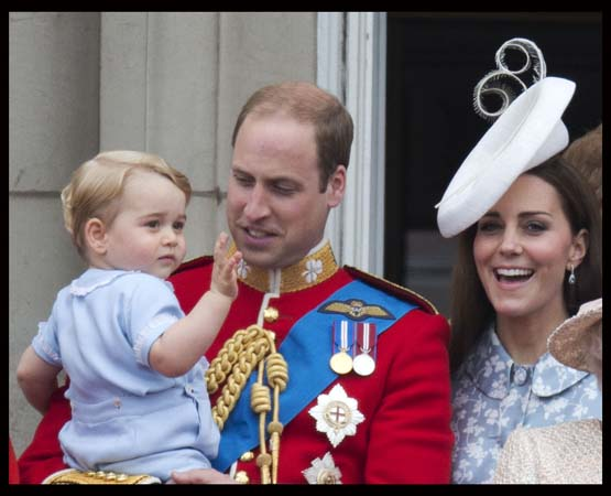 Prince George Waves Prince William Kate Middleton Smile Buckingham Palace Balcony