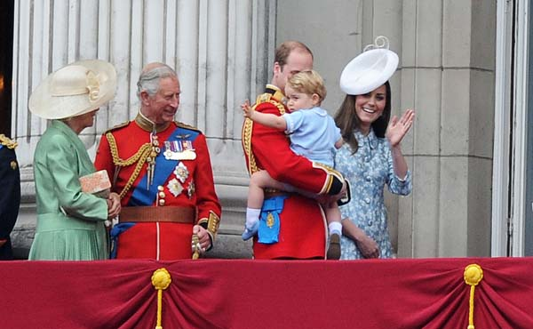Prince George Kate Middleton Wave Buckingham Palace Balcony