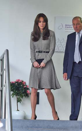 kate middleton black white houndstooth dress ralph lauren anna freud center