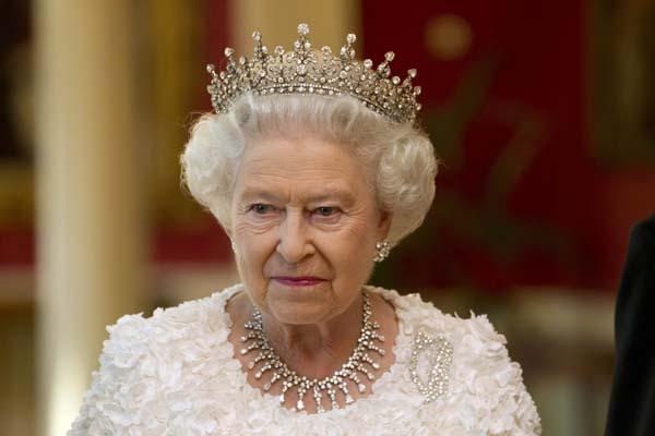 queen elizabeth tiara jewelry Ireland State Visit Dublin Castle