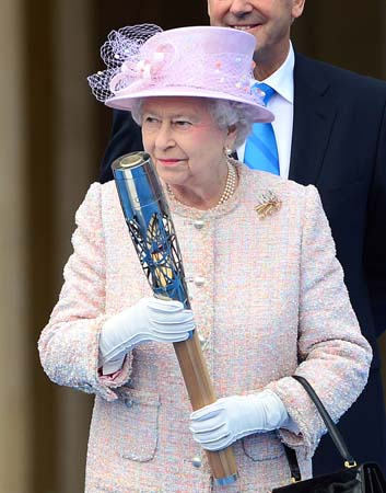 queen baton relay commonwealth games