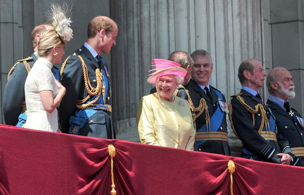 Queen Elizabeth Smiles Buckingham Palace Balcony Royal Family RAF Flypast