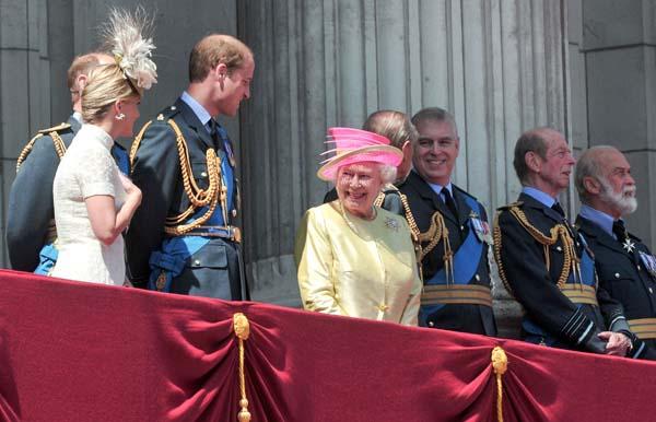 Queen Elizabeth Smiles Buckingham Palace Balcony Royal Family RAF Flypast