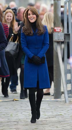 kate middleton walking black boots blue christopher kane jacket dundee