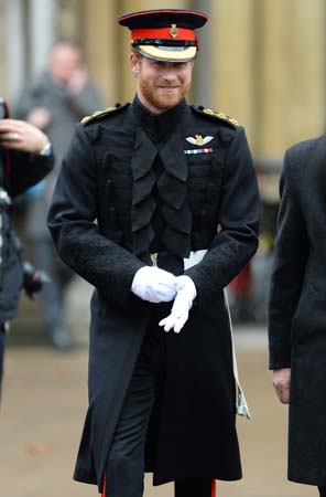 prince harry uniform westminster abbey field of remembrance 2015
