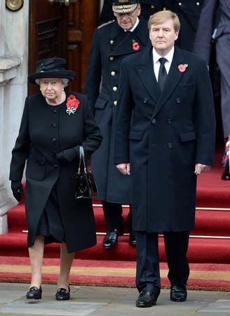 queen elizabeth king willem alexander remembrance sunday 2015