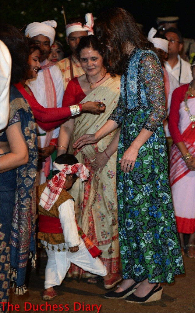 kate middleton pets boys head steps on her shoes bihu festival