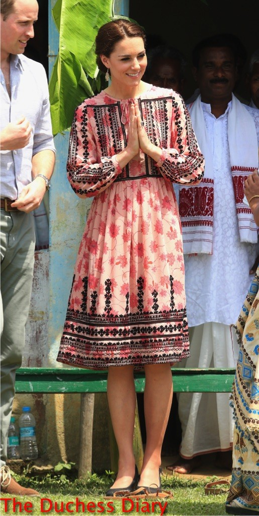 kate middleton gestures topshop dress visit Pan Bari agricultural village