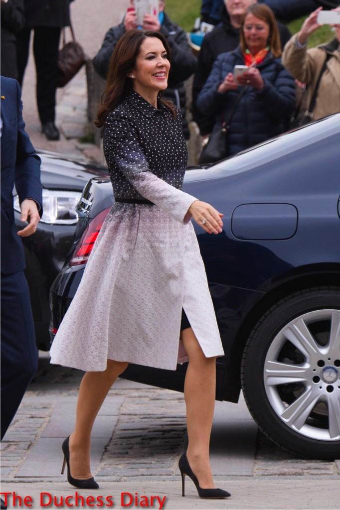 crown princess mary ombre coat mexico state visit 2016