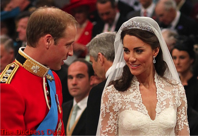 kate middleton smiles prince william altar westminster abbey