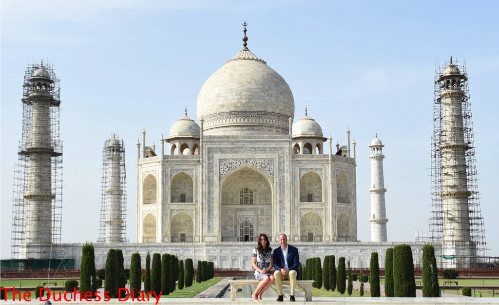 prince william kate middleton bench taj mahal
