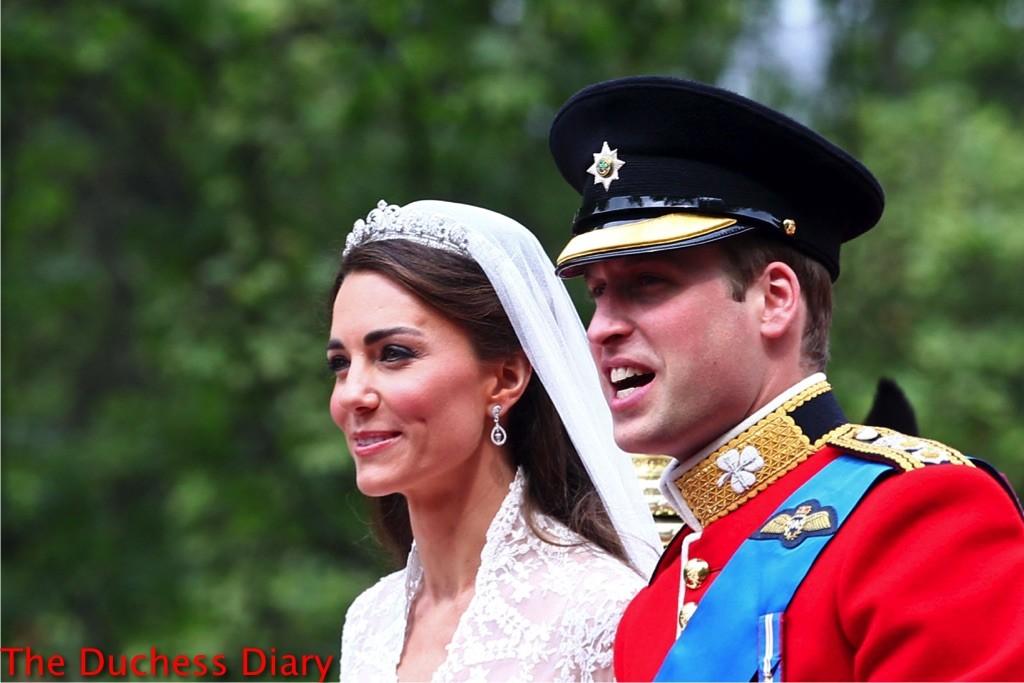kate middleton prince william royal wedding carriage procession
