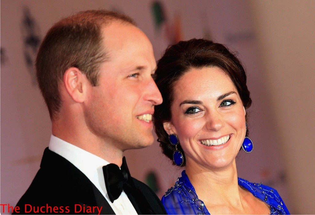 kate middleton smiles prince william blue lapis earrings