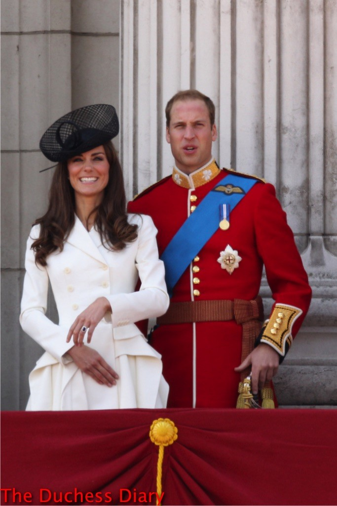 kate middleton laughs white alexander mcqueen coat prince william balcony buckingham palace 2011 trooping the colour