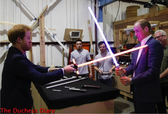 prince harry lightsaber prince william star wars set