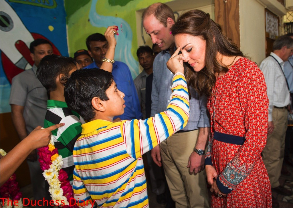 prince william kate middleton greeted tilak charity salaam baalak