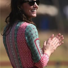 kate middleton laughs ray bans mumbai