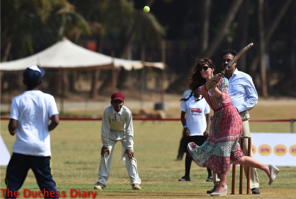 kate middleton plays cricket mumbai
