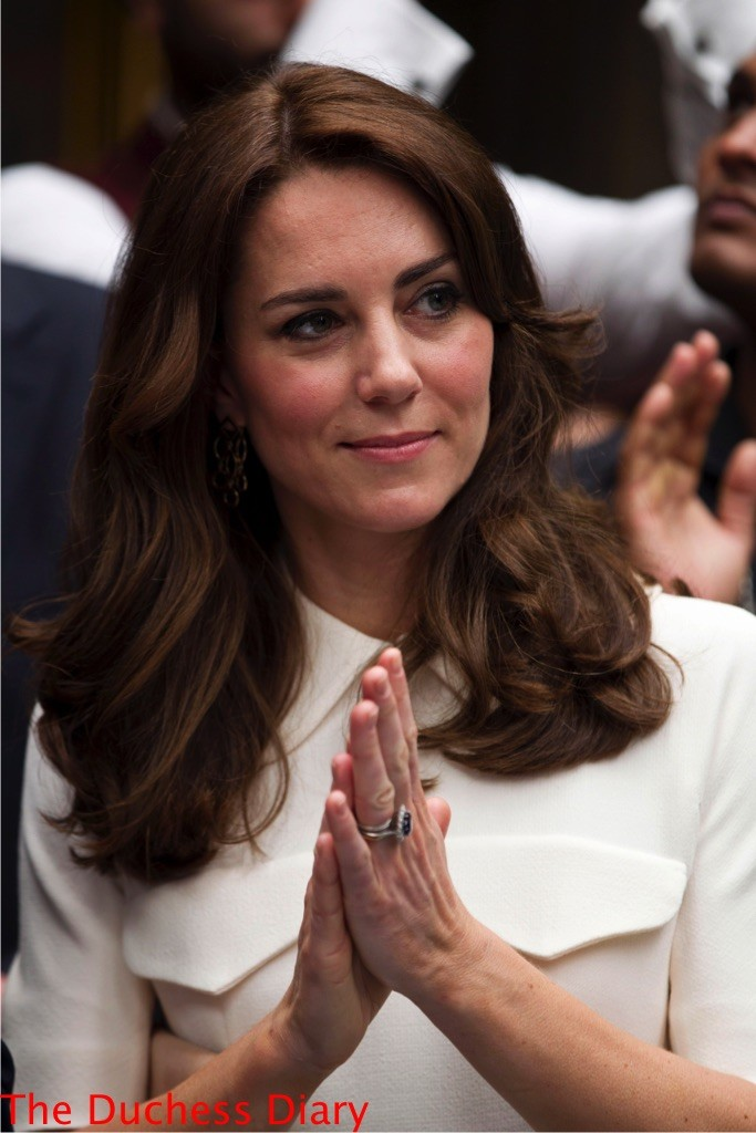kate middleton hands together mumbai