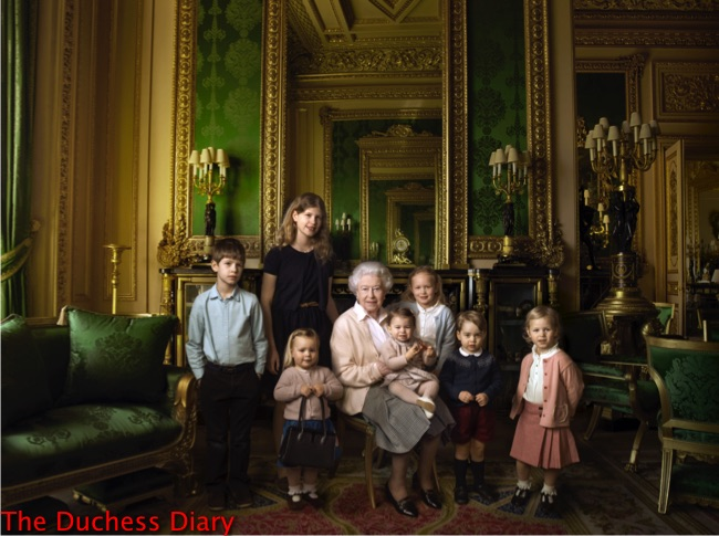 queen elizabeth poses great-grandchildren grandchildren buckingham palace