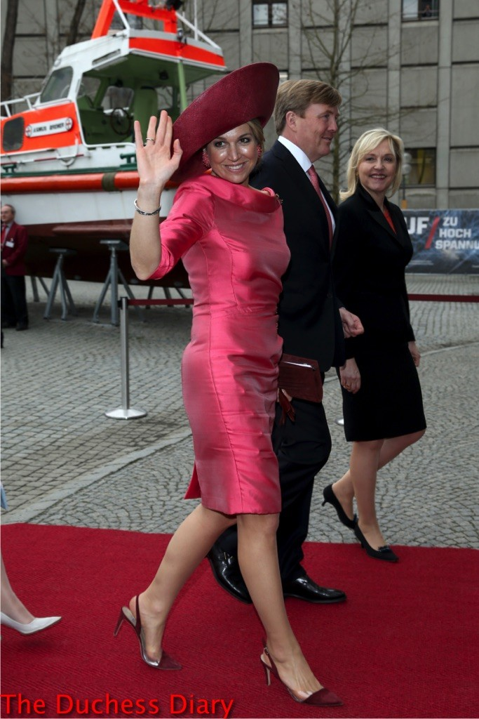 queen maxima waves king willem alexander munich