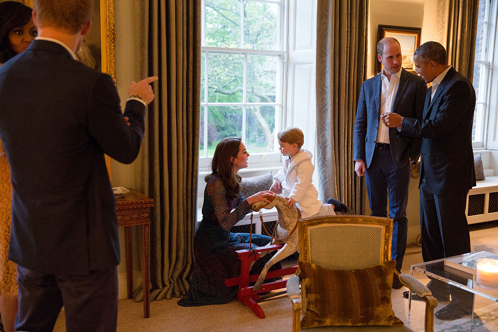 Kate Middleton Leans Down Talks to Prince George Bathroom Kensington Palace Hosting Obamas