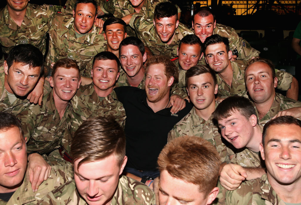 prince harry poses soldiers invictus games