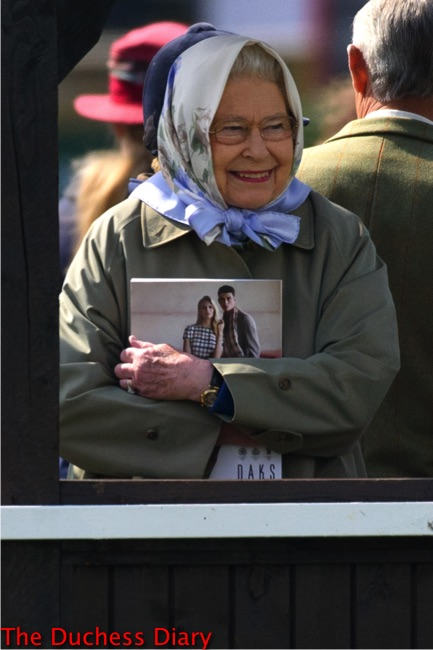 queen elizabeth smiles royal windsor horse show
