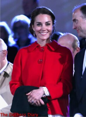 kate middleton red coat royal windsor horse show
